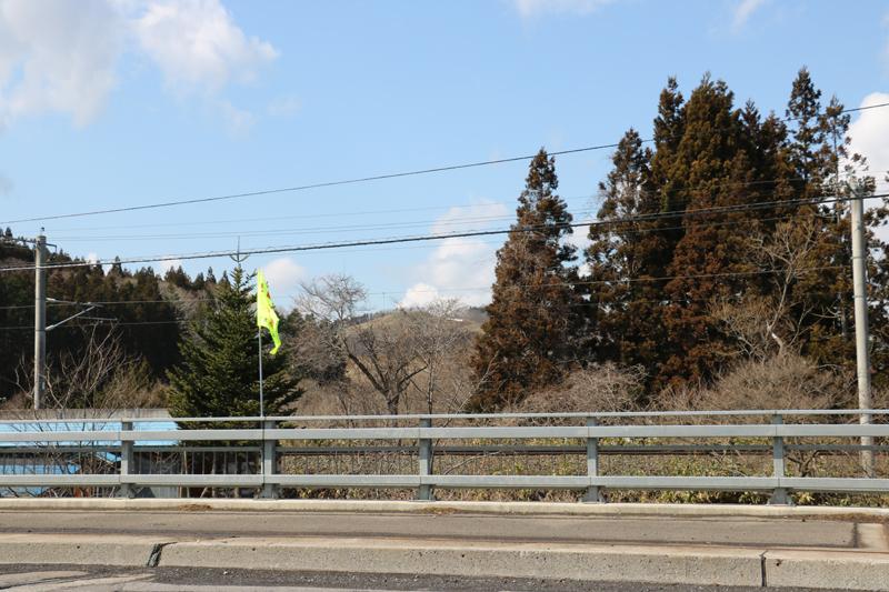 橋呉川から上流の山を望む