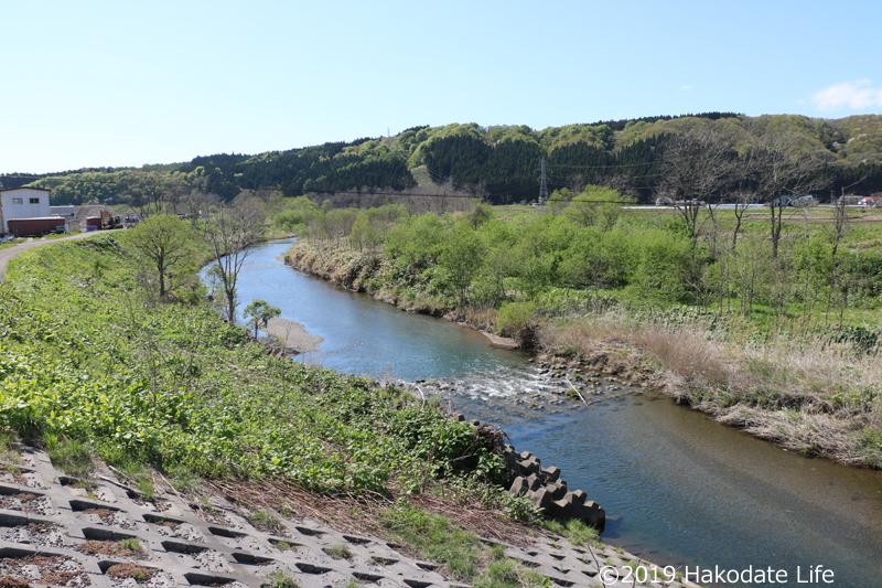 安野呂川の流れ