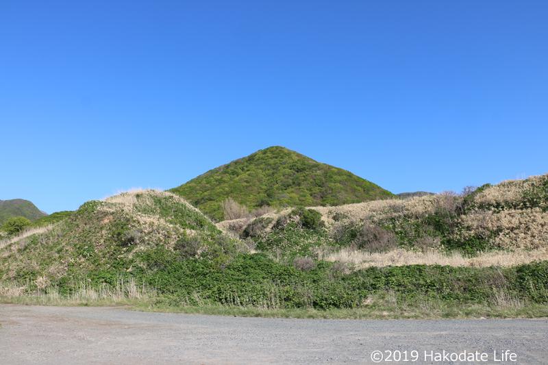謎の三角山