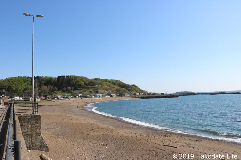 繁次郎浜から泊方面を望む