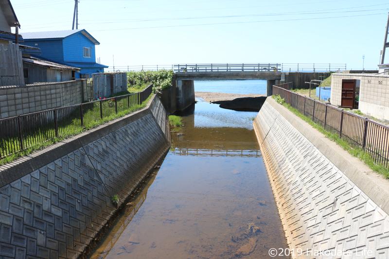 五勝手川の流れ