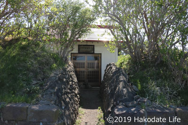 夷王山神社本殿