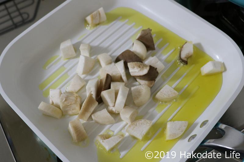 オリーブオイル敷いて炒める