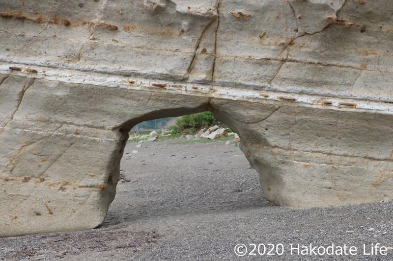 くぐり岩を通ってみる